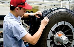【保存版】車のタイヤ「環境貢献、経費削減に役立つ再生タイヤ、リトレッドタイヤ」まとめ