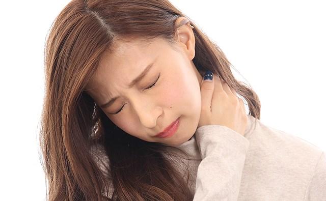 《肩こり》慢性的な肩こりに悩む方必見「肩こり解消方法」まとめ