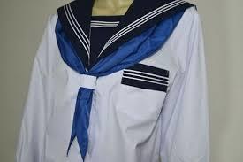 《セーラー服》独特の形状をした大きな襟が特徴のトップス「セーラー服」まとめ