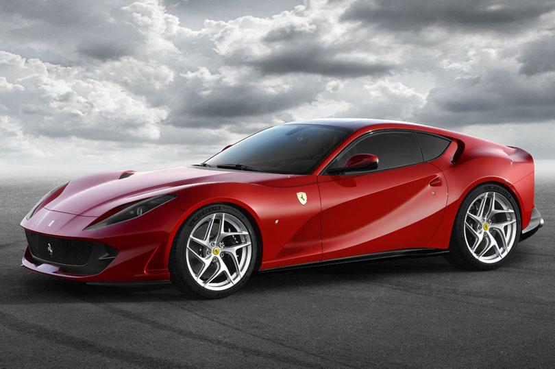《フェラーリ》800ps、V12、6.5リッター自然吸気エンジン「フェラーリ 812スーパーファスト」を発表